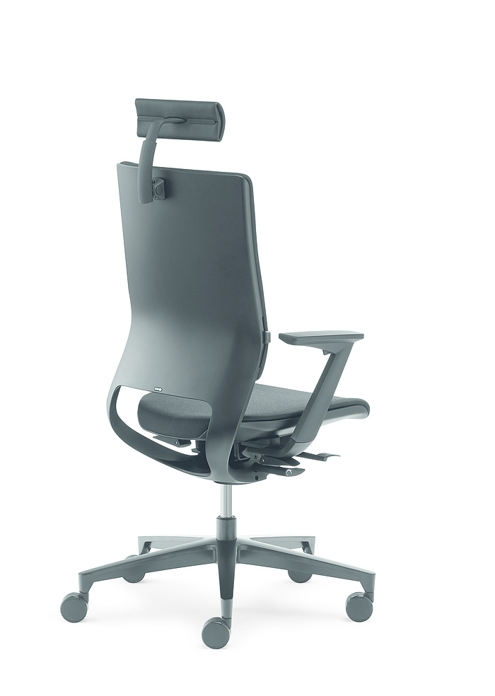 Mera Swivel Chair